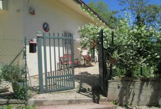 Частный дом  в Москуфо с садом и оливковой рощей