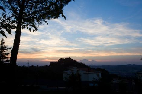 Панорамный вид на закат с террасы