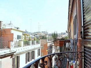 One bedroom apartment in Rome Coliseum