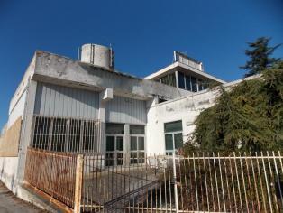 Продается здание под реконструкцию.