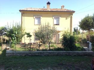 Купить дом среди виноградников в Италии.