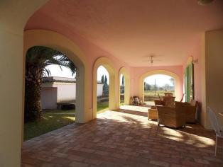 Elegante villa con giardino a 5 km dal centro di Pescara