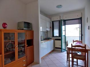Уникальное предложение, цена ниже рыночной на 30%! Двухкомнатная квартира в 100 м от моря!