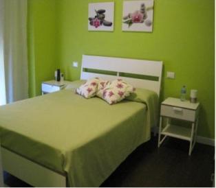 Оливковая спальня с ванной комнатой в уютном B&B в самом сердце Пескары