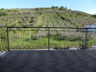 Продам тихую квартиру с террасами в живописном местечке провинции Киети