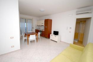 Сдается новая однокомнатная квартира с балконом у моря в Альба Адриатика