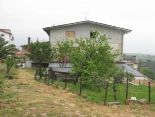 Продам дом, в живописнейшем месте, среди зеленых холмов