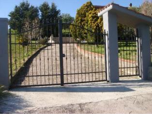 Продам дом 300 кв м в живописнейшем месте с участком земли