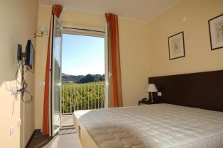 Новая 2-х комнатная квартира с прекрасным панорамным видом в кредит от застройщика в комплексе с бассейном!