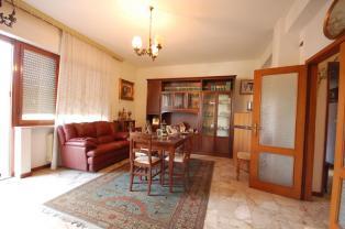 Большая квартира недалеко от моря в тихом районе г. Монтесильвано