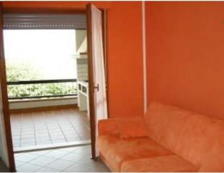 Трехкомнатная квартира с большой террасой в 100 метрах от моря в Абруццо