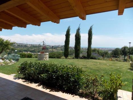Панорамный вид на окрестности провинции Пескары